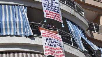 Uzlaşmayan mirasçılara pankartlı tepki