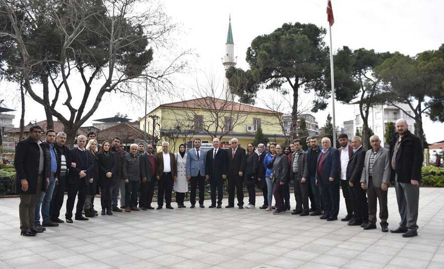 Başkan Kale, AK Parti'yi Ziyaret Etti