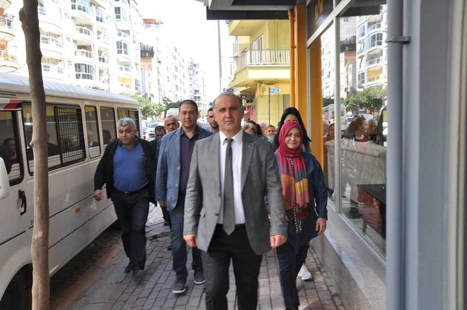 Kaya, Cumhuriyet Mahallesi'nde Esnaf Ziyareti Gerçekleştirdi