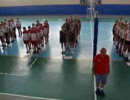 İncirliova'da Voleybolcular Sezonu Açtı