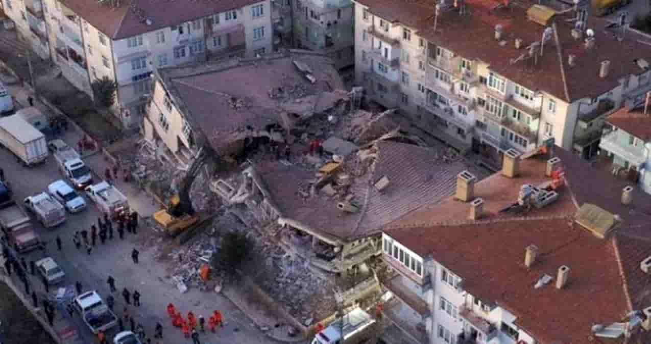 İncirliova'dan Depremzedelere Destek