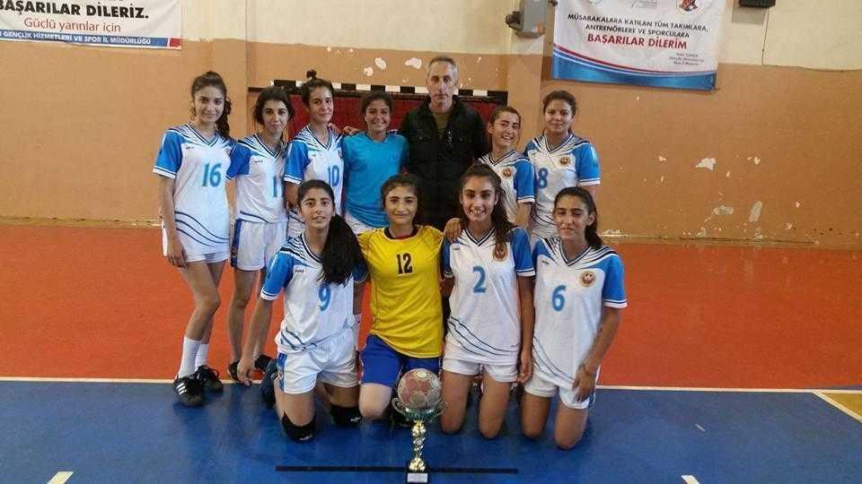 Hentbolda İncirliova Spor Lisesi Şampiyon