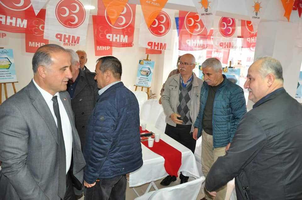 Kaya'dan Rakip Partilerin Seçim Bürolarına Ziyaret