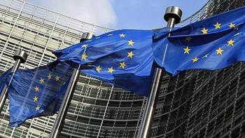 Juncker'den İtalya'ya ekonomik büyümeyi hızlandırma çağrısı